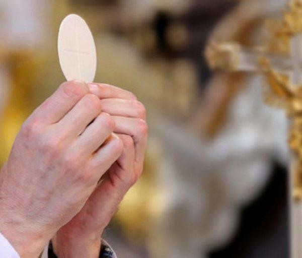LA RIPRESA DELLE CELEBRAZIONI LITURGICHE CON IL POPOLO DI DIO